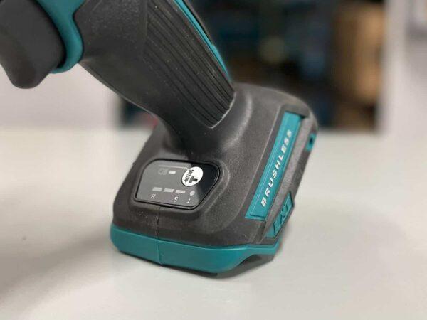 מברגת אימפקט מבית MAKITA מקיטה דגם בלי פחמים עם שליטה במהירויות עבודה החזק בקטגוריה דגם ייחודי במינו עם מצב ביטול דפיקה DTD154 / XDT14 מחיר