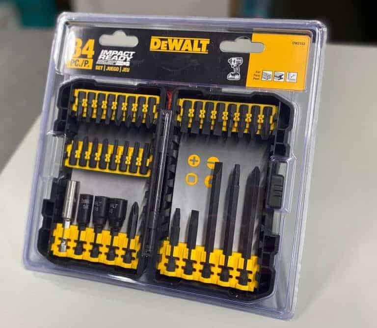סט ביטים 34 חלקים מבית DeWalt שחורים DW2153