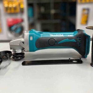 משחזת זוית 18V (גוף בלבד) MAKITA DGA452 דיסק מקיטה נטען גודל 4.5 מגיע עם מגן להב לחיתוך של מתכת / פי וי סי ועוד....דיסק מקיטה מחיר מיוחד