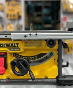 מסור שולחן נטען מבית דיוולט DEWALT דגם DCS7485 הכי חזק בקטגורייה של FLEXVOLT הכי נועד לעבודה ממשוכת של מגוון רחב של בעלי מקצוע מחיר