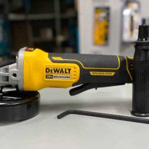 """משחזת זווית 4.5"""" 18/20V (גוף בלבד) DEWALT הפעלה מלמטה DCG413"""