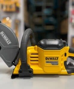 מסור לחיתוך ניסור בטון קירות אבן ועוד DEWALT דיוולט FLEXVOLT 54/60V דגם DCS690 עם הזרקת מים חזק במיוחד מחיר