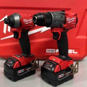 סט מברגות FEUL milwaukee אימפקט ומקדחה 18V כולל 2 סוללות 5 Ah ומטען (GEN3) ייעודי לעבודה אינטנסיבית מחיר הזדמנות מילווקי 2997-20