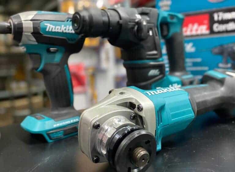 """סט 3 כלים BL Makita 18V בלי פחמים מברגה / פטישון / משחזת זווית 4.5"""" עם 2 סוללות ומטען מקיטה דגם חדשים בתיק נשיטה מבד קשיח מחיר"""