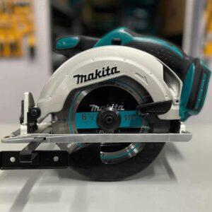 מסור עגול נטען ½ 6 18V מקיטה Makita DSS661 / XSS02 דגם הכי פופולרי בקטגוריה נועד לעבודת עץ ממושכת עם כניסה לזוויות מבוקרות ועומק מחיר