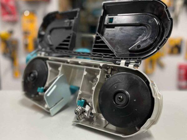 מסור סרט נטען מבית Makita דגם XBP03 18V מקיטה דגם מיוחד במינו עם ידית אחיזה רכה ועיצוב קומפקטי וחזק במיוחד מחיר